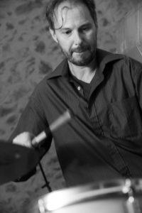 Bernanrd Rességuier, professeur de batterie à l'école de musique de Mauguio Carnon